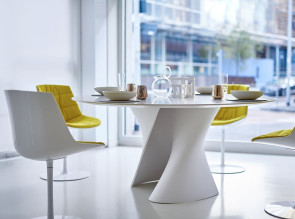 S Table, table ronde design