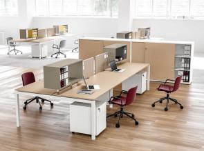 Bureau bench Italo 4 postes, avec écrans de séparation et rangements
