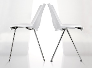 Chaises C07 empilables