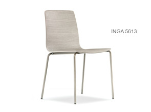 Chaise empilable Inga 5613, assise bois.