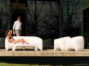 Chaise, fauteuil et table basse Blow par Vondom
