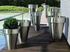 Grands pots Delta et Omega en Inox (usage intérieur ou extérieur)