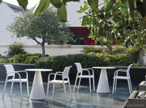 Tables outdoor Ikon