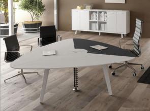 Table de réunion triangulaire 6 places - 2 plans bois et un plan cuir