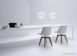 Table de réunion Tense en résine acrylique blanche