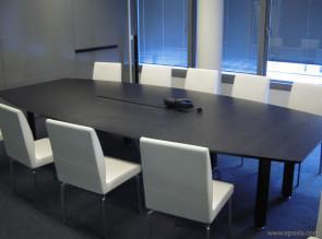 Table de réunion tonneau chêne foncé avec top access